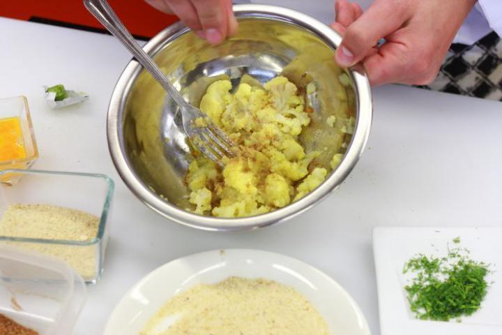 Karfiol fasírt elkészítés 3. lépés képe