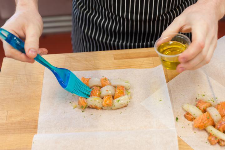 Halfonat paradicsom salsával elkészítés 2. lépés képe