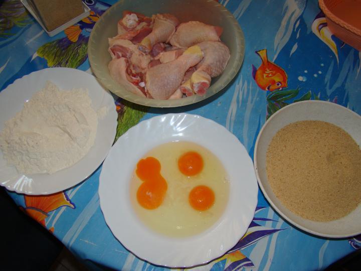 Rántott csirke, fűszeres sült burgonya sütőben sütve elkészítés 1. lépés képe