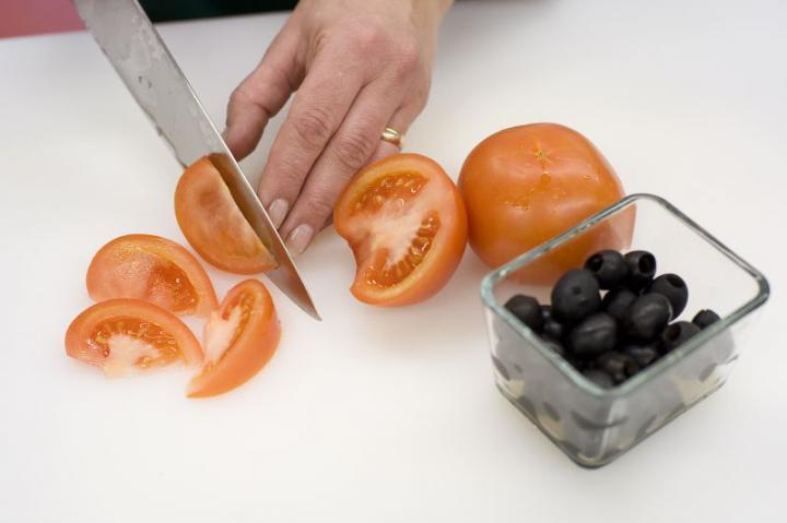 Garnéla saláta elkészítés 3. lépés képe