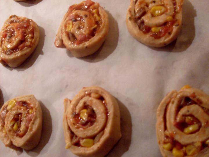 Reform mini pizzás csigák elkészítés 6. lépés képe