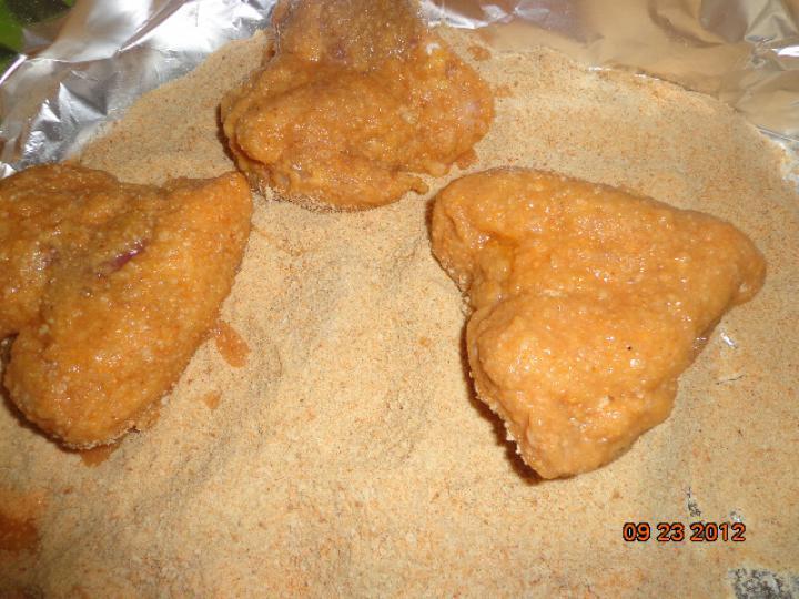 Csirkemájjal töltött rántott csirke szárnyak elkészítés 2. lépés képe