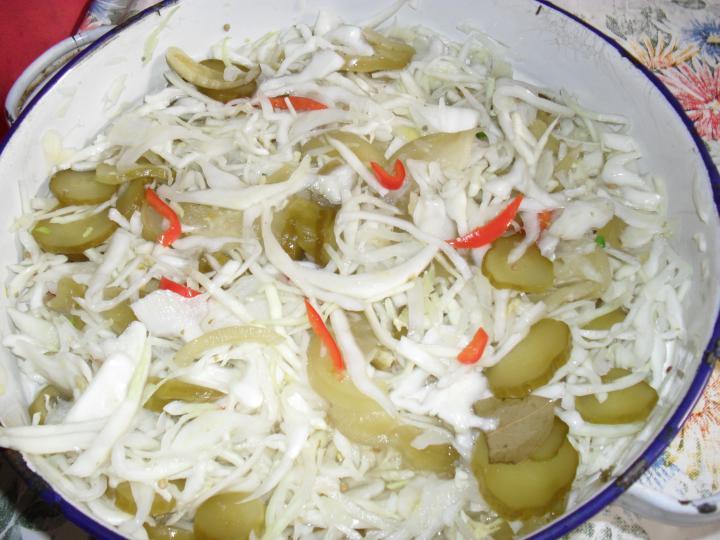 Káposzta saláta elkészítés 4. lépés képe