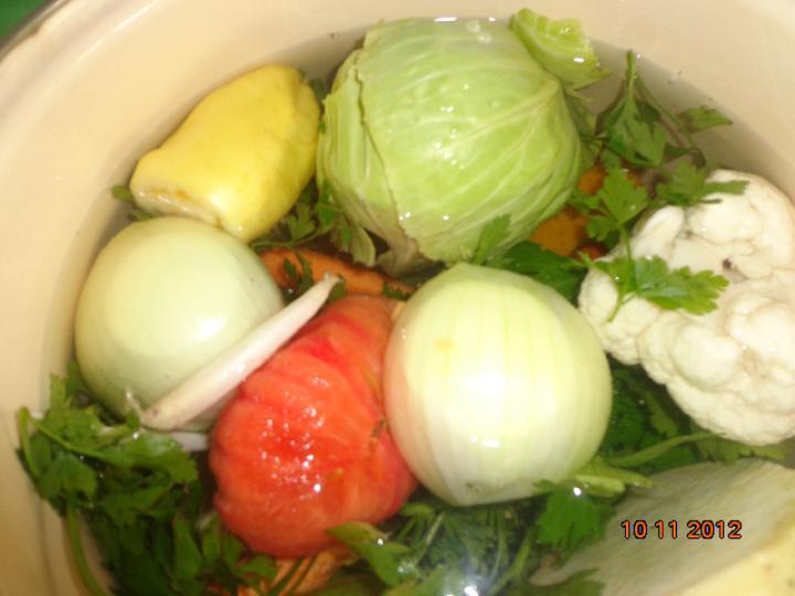 Krémleves vegyes zöldségből, sajttal és sonkával elkészítés 1. lépés képe