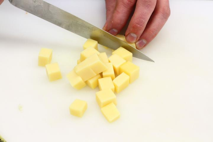 Cikória saláta kivivel elkészítés 3. lépés képe