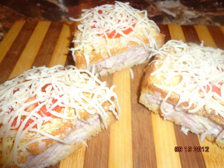Fokhagymás pirított töltött kenyér elkészítés 5. lépés képe