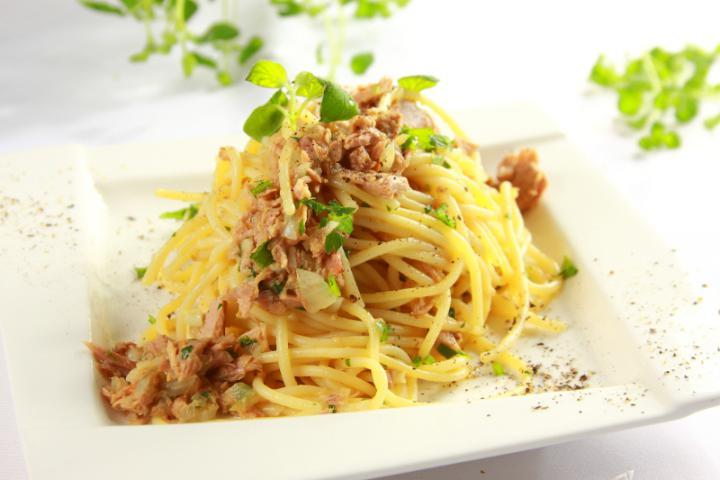 Tonhalas spagetti elkészítés 5. lépés képe