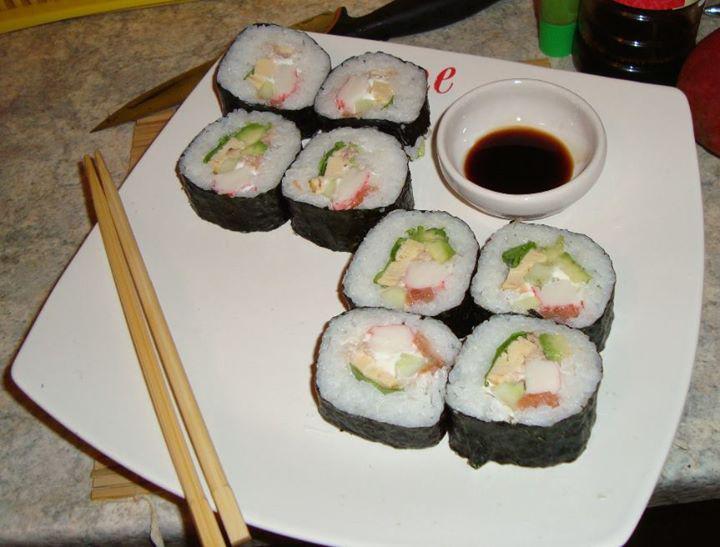 Monster Sushi - Óriás Philadelphia tekercs elkészítés 5. lépés képe