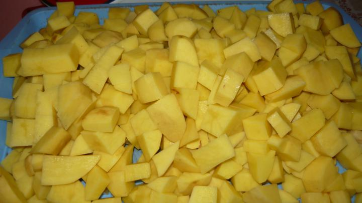 Burgonyafőzelék tojással elkészítés 1. lépés képe