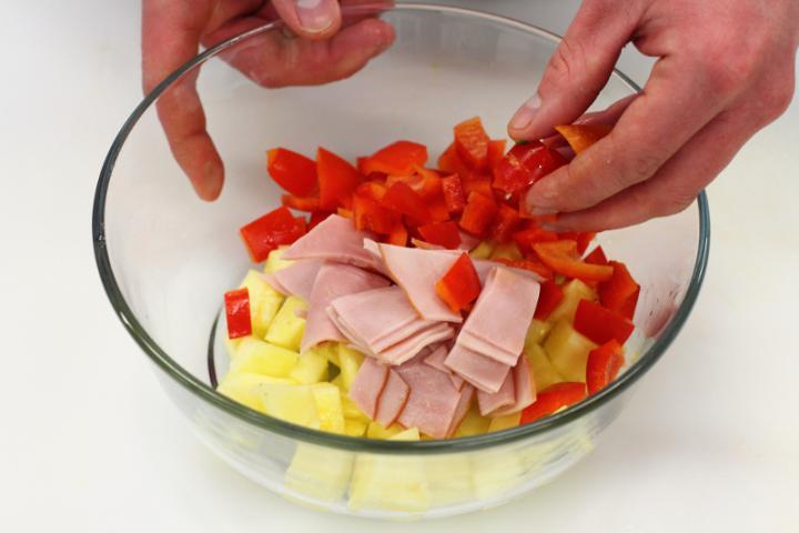 Csípős ananász saláta, sonkával, rizzsel és kukoricával elkészítés 4. lépés képe