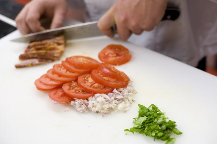 Baconös burgonyaomlett elkészítés 2. lépés képe