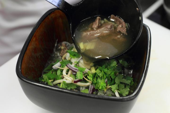 Pho leves marhahússal elkészítés 7. lépés képe