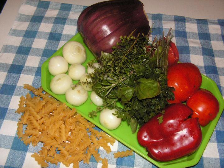Zöldséges, zöldfűszeres tészta elkészítés 1. lépés képe