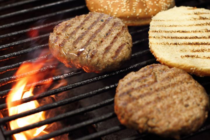Klasszikus hamburger elkészítés 2. lépés képe