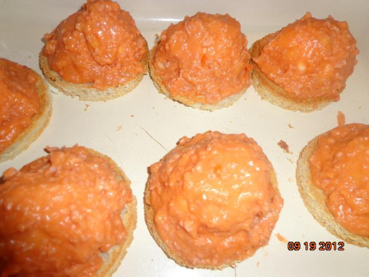 Tojás sonkás-sajtos bundában elkészítés 5. lépés képe