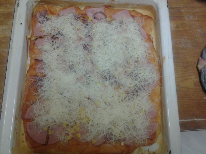 Pizza otthon könnyedén elkészítés 12. lépés képe