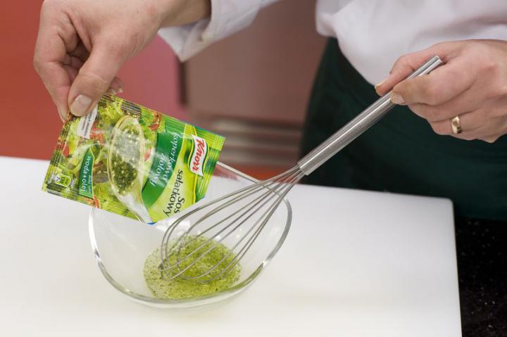 Garnéla saláta elkészítés 4. lépés képe