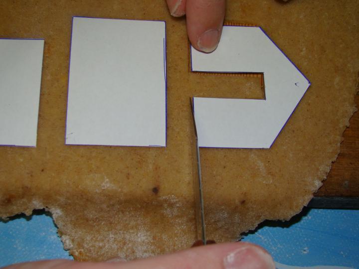 Mézeskalács bögreházikó elkészítés 3. lépés képe